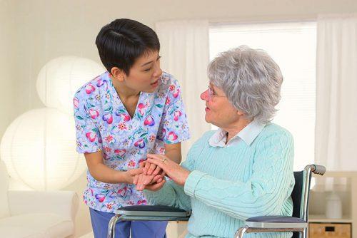 هزینه نگهداری از سالمند در منزل