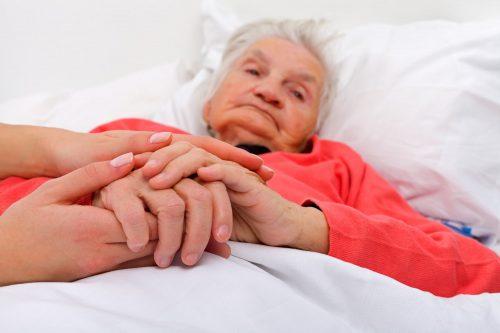 مراقبت از سالمند پوشکی در منزل