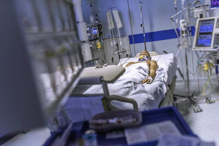 مراقبت از بیمار آی سی یو