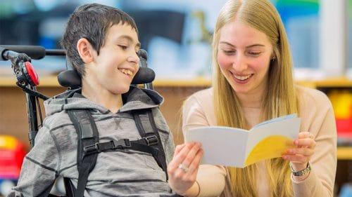 نگهداری از کودک اوتیسمی
